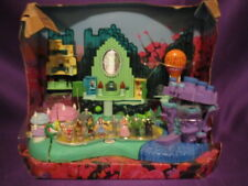 Wizard of Oz Polly Pocket Play Set  Complete on cardboard w/booklet no box 2001