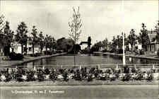 's-Gravendeel Niederlande 1972 Voorstraat See Teich Parkanlage Häuser gelaufen