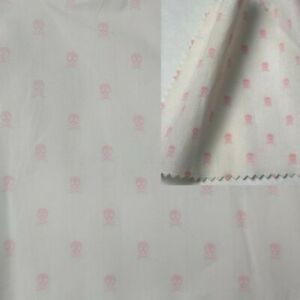 Violet Ivoire 100/% Coton Popeline Floral Bunting quilting robe Craft Tissu