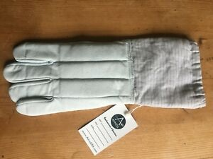 Athos Left hand Fencing glove. size 09. Never used.