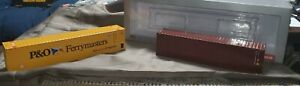 WSI Models 1:50 P&O Ferrymasters & Dark Brown Containers