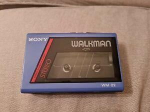 Sony Walkman WM-22 bleu Stereo cassette player Vintage