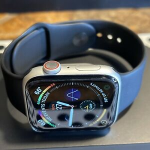 Apple Watch Series 4 (44mm) GPS + Cellular (A1976) Silver Aluminum {Black Band}