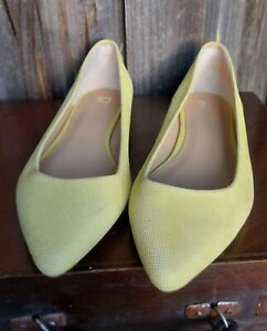 Yellow Leather Slip On Shoes Size 10 ALMOST NEW Joe Jeans