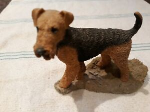 SHERRATT & SIMPSON STANDING AIREDALE TERRIER SIGNED 87 no reserve
