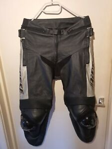 Mens Dainese Motorcycle Codice Controlla Leather Trousers - Size 46.