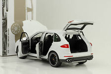 2014 PORSCHE CAYENNE TURBO S white blanc 1:18 Minichamps 300 PC