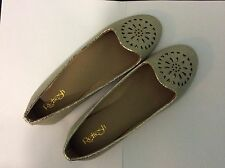 new beige/gold Casual shoes Size 6.