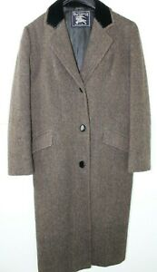 """Burberry Men's Single-breasted Wool Tweed with black velvet collar chest 40"""""""