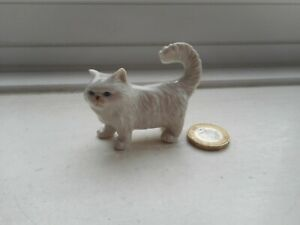 CAT - BEAUTIFUL - STANDING MINIATURE POTTERY PERSIAN TYPE PURE WHITE CAT
