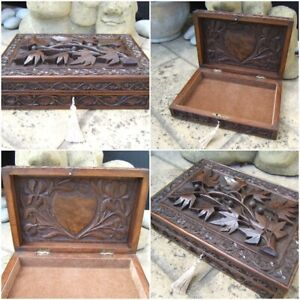 TERRIFIC EARLY ANGLO INDIAN HAND CARVED ANTIQUE JEWELLERY BOX - FAB INTERIOR
