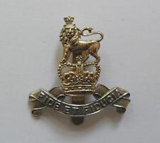 BRITISH ARMY CAP BADGE. ROYAL ARMY PAY CORPS.