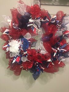 """Handmade 4th of July Wreath 21"""" Red/White/Blue Deco Mesh, Ribbons, Flowers"""