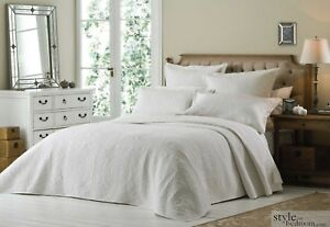 Luxury King Size White Quilted Embroidered Bedspread Throw + 2 Pillow Shams