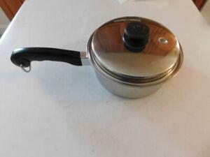 VINTAGE SALADMASTER SAUCE PAN & VAPO LID #802 STAINLESS STEEL 18-8 TRI-CLAD VG