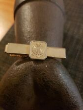 VINTAGE UNITED NATIONS WE BELIEVE MENS TIE CLIP BAR CLAMP ANSON