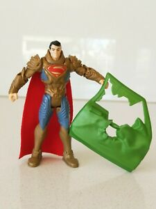 DC Justice League Superman Gold Action Figure 10cm / 4 inches  (NEW without Tag)