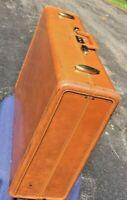 """Vintage Shwayder Bros. Samsonite Streamlite Suitcase / Luggage 24"""" x 19"""""""