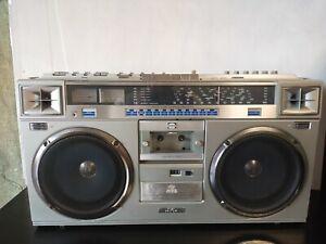 JVC RC-M70JW vintage boombox