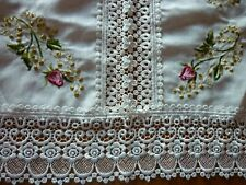 Beautiful ethnick table cloth white with roses and lace and sparkle square 33-33