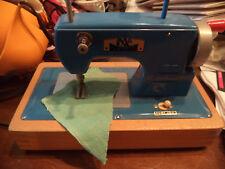 alte Regina Kindernähmaschine 1,5Volt sehr gut erhalten
