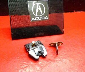 94-01 ACURA INTEGRA REAR BACK TRUNK HATCH LOCK LATCH W/ STRIKER HOOK SEDAN OEM
