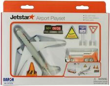 Jetstar Airport Toy Playset Die Cast Metal Boeing 787 Daron RT 7576