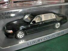 Spark Luxury LC 101379 - 2012 Lincoln Town Car Black - 1:43 Made in China