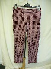 "Ladies Trousers Banana Republic black red pattern, waist 30"" inside leg 27"" 0640"