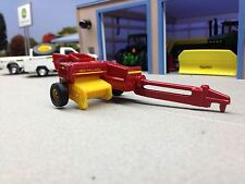 1/64 ERTL NEW HOLLAND HAYLINER SMALL SQUARE HAY BALER