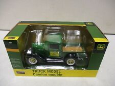 Spec Cast John Deere Truck Model Pickup 1/25