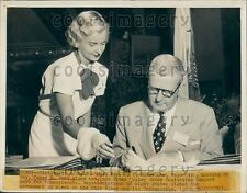 1948 Lovely Woman Page With Pennsylvania Governor James Duff Press Photo
