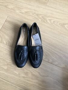 TU Black Flat Cut Out Summer Shoes, Size 5, New With Tags