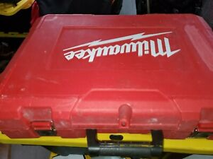 """MILWAUKEE 2676-22 FORCE LOGIC M18 10T KNOCKOUT TOOL 1/2"""" - 2"""" KIT PRE-OWNED"""