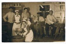 AK. 1.WK. Soldaten, und Krankenschwestern im Lazarett im Arbeitseinsatz
