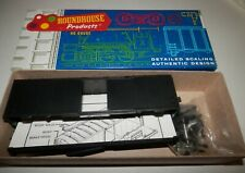 Roundhouse HO Scale 40' Unlettered Box Car Kit #1040
