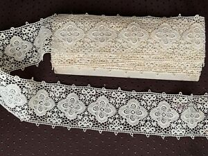 Gorgeous French Edwardian Guipure lace Insertion - 265cm by 5.5cm Floral design