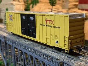"""HO Scale Walthers 60' High Cube Plate F BoxCar TTX """"next road any road"""" DETAILED"""
