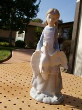 LLADRO NAO BEAUTIFUL YOUNG GIRL WITH GOOSE MADE IN SPAIN MINT CONDITION NO BOX