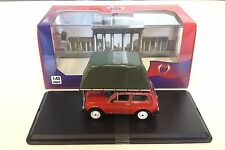 Lada Niva 1981 Red With Roof Tent - 1:43 IXO IST DIECAST MODEL CAR IST295