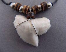 Réplica de grandes diente de tiburón collar para Hombre Chicos Surf Tiburones Dientes Falsos De Resina