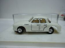 RENAULT DAUPHINE GORDINI 1/32 NICE AND EXCLUSIVE SLOT CAR