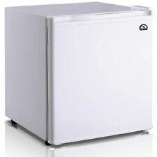 Igloo 1.6 Cubic Foot Compact Mini Bar Office Dorm Refrigerator Freezer White
