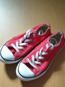 LADIES RED CONVERSE TRAINERS SIZE 2