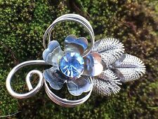 Blue Vintage Rhinestone Brooch Pin Flower Glass Vtg Metal Silver Tone Jewelry