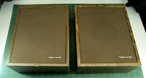 VINTAGE: Bookshelf Speakers (Pair) - Radio Shack Minimus 3 - 40-913C