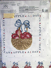Daisy Kingdom: Apple A Day  No Sew  Fabric Applique Kit -5 Designs w/ Fabric NIP