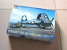 Vought F4U-1D Corsair w/Moto Tug Tamiya 61085