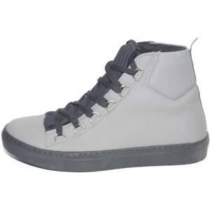 Sneakers alta in vera pelle gommata grigio stringata con ganci linguetta in adil