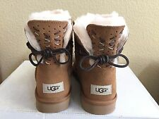 UGG ADORIA TEHUANO CHESTNUT CLASSIC MINI BAILEY BOW BOOT US 9 / EU 40 / UK 7.5